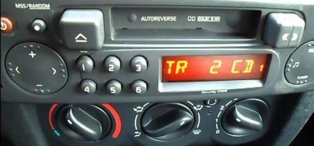 Récupérer le code de son autoradio Renault : comment procéder ?